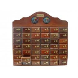 Mueble de madera artesanal 42 cajones